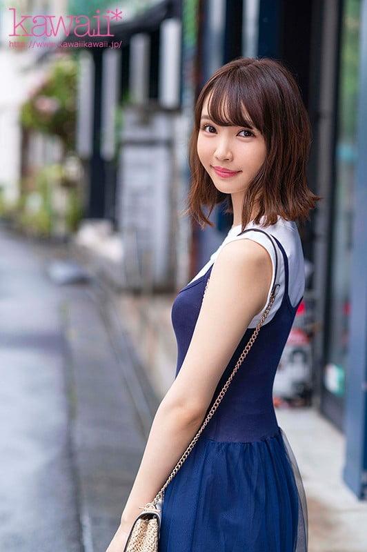 162cm8頭身モデル体型!スナップ感がエモいハンドテク!漫画みたいな大きな瞳!エステ店でこっそり抜いてアゲル押しに弱い現役女子大生'武田雛乃'AV debut!!