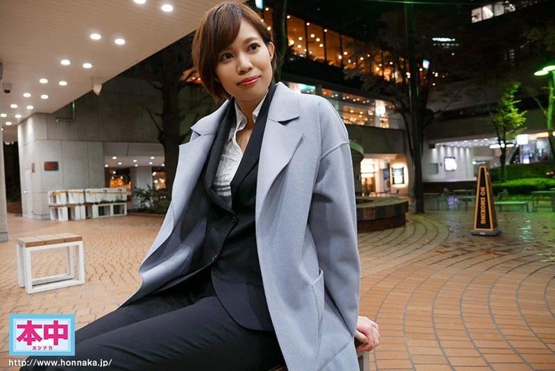 新人アジア1の肉食系ハーフ美人身長180cmカッコ綺麗お姉さん中出しAVデビュー!! 表の顔は高偏差値で気高い外資系キャリアウーマン裏の顔は日本人食いSEX大好きド変態オンナ。 木下メアリージュン